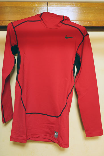 HYPERWARM_COMPRESSION_MAX_PULLOVER_005.jpg